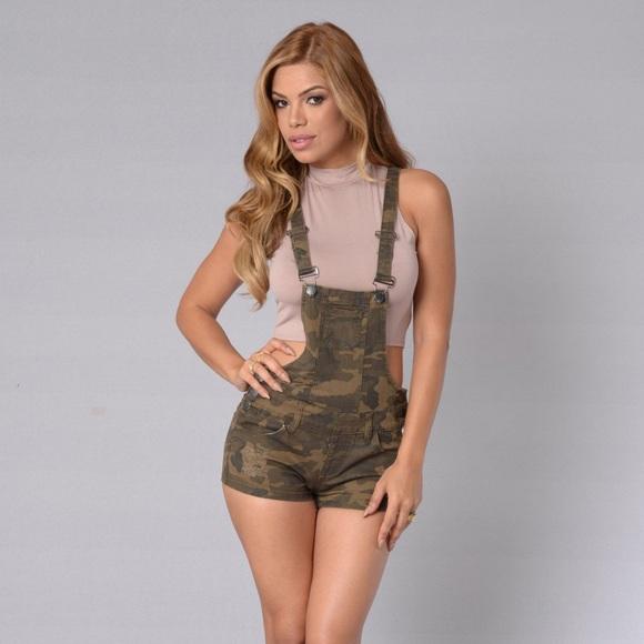 5e6c0990a490c Fashion nova camo overalls size small